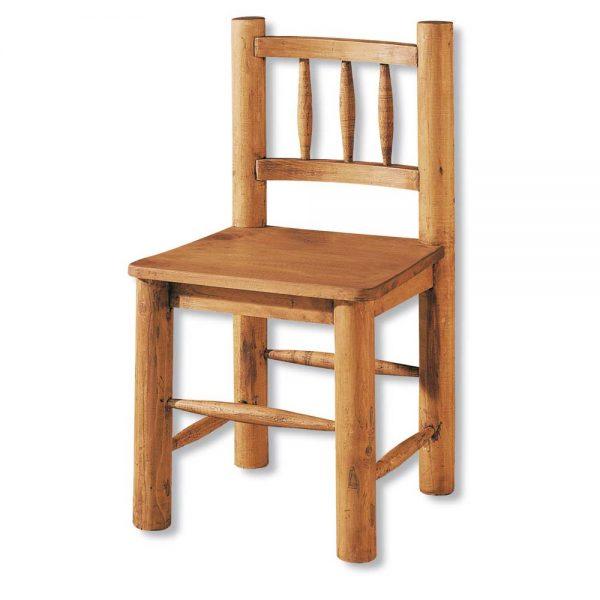silla de madera con troncos