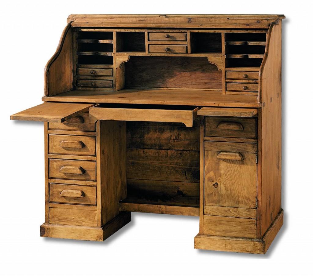 escritorio de madera con corredera