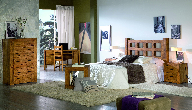 dormitorio madera rustica, cabezal, cómoda, mesitas noche